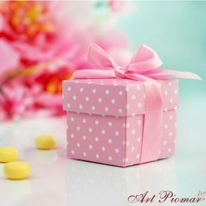 Pudełeczko kwadratowe różowe w kropki