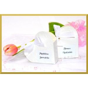 Pudełeczka dla gości serduszka białe personalizowane
